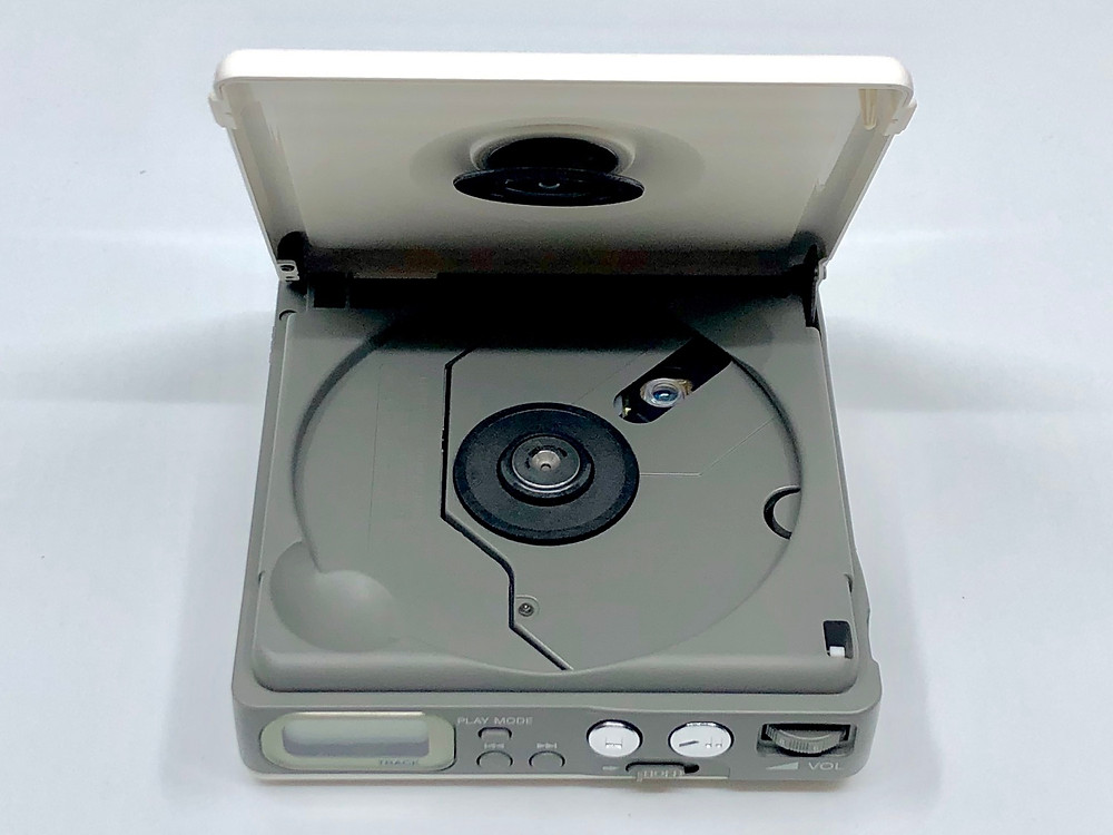 Sony CD Walkman D-82