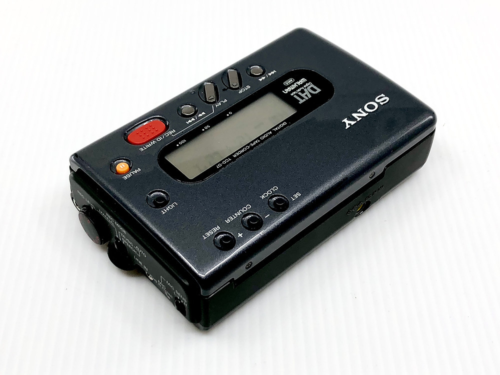 SONY TCD-D7 DAT Recorder