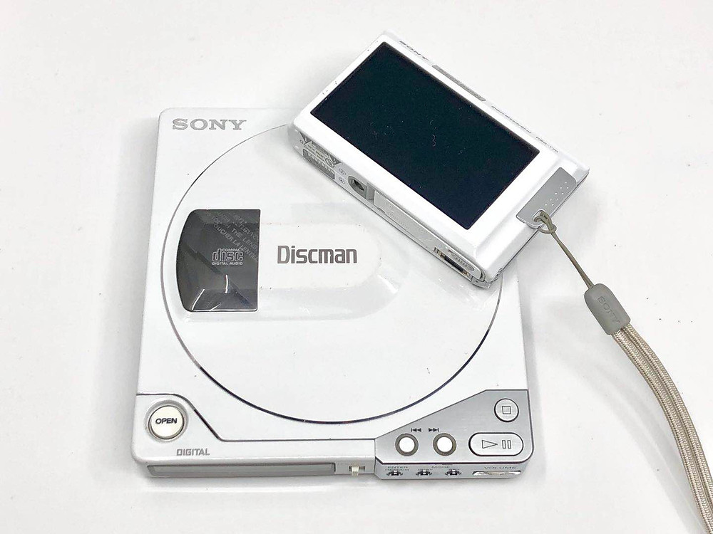 Sony Discman D15 White Portable CD Player