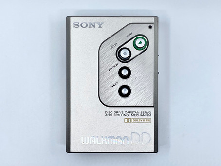 Sony Walkman DD-10 Portable Cassette Player Silver
