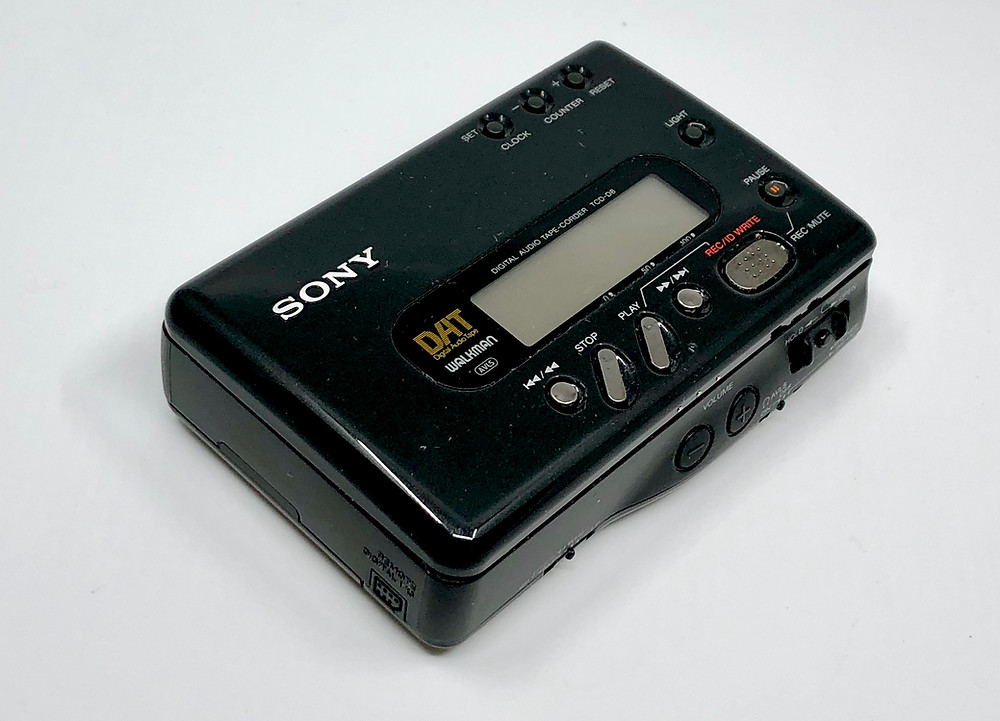 SONY TCD-D8 DAT Recorder