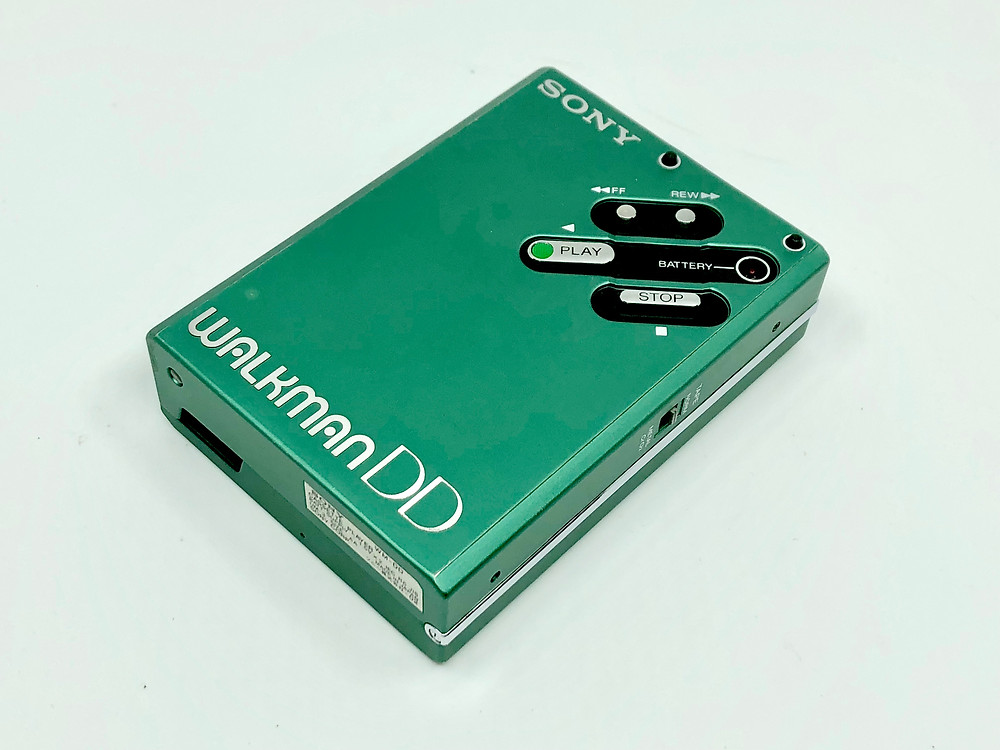 Green WM-DD Walkman