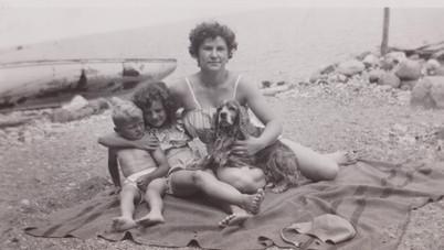 Marion&Wendy1948.jpg