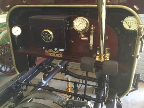 Fuel pressure, oil drip , clock, speedo