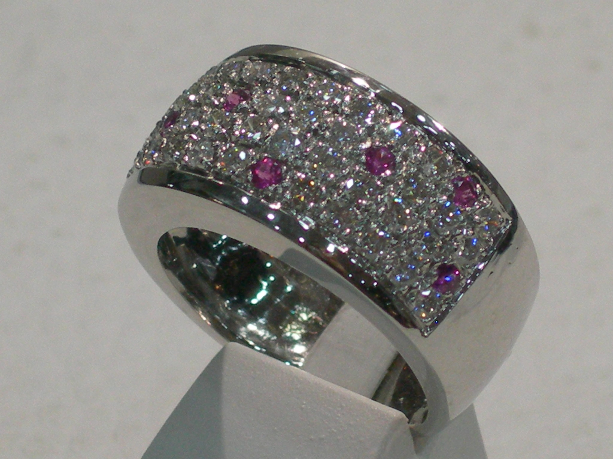 PAVAGE DIAMANTS SAPHIR ROSE