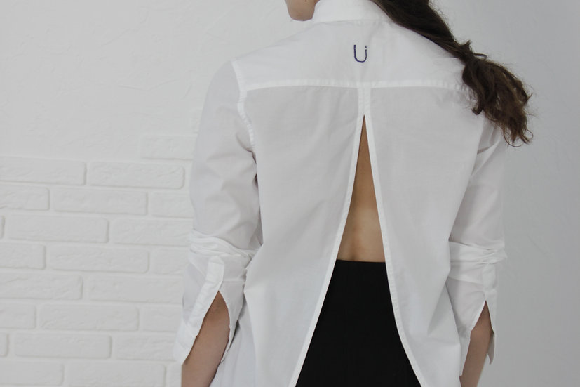 Coccinella M-shirt with magnetic closure