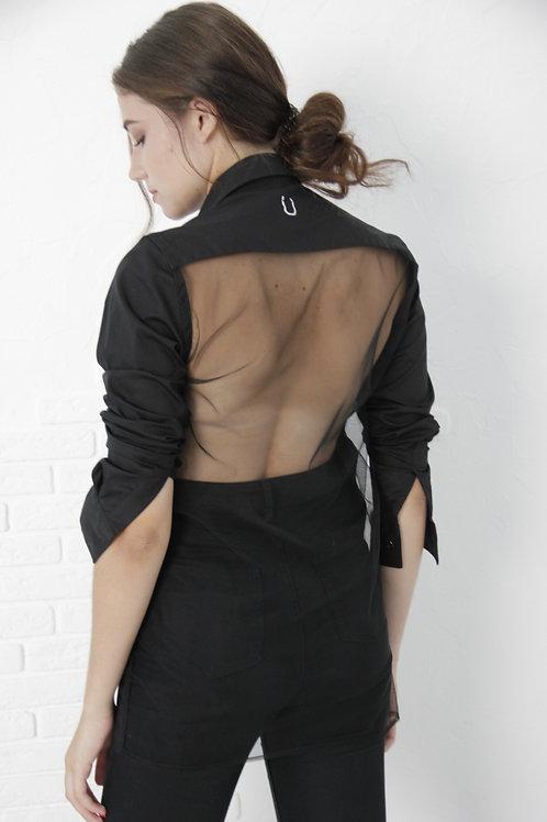 M-shirt nera con la chiusura magnetica