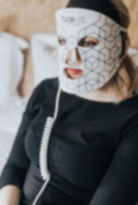 using-facelite-led-face-mask.jpg