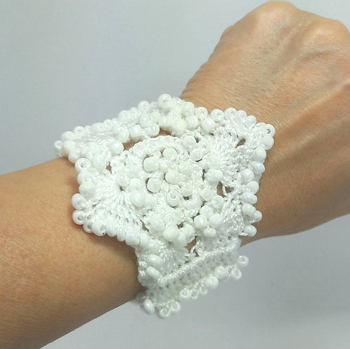 Bridal bracelet, Beaded Cuff, wedding crochet bracelet