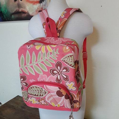 Backpacks, women backpacks made of waterproof fabrics, dayly waring.