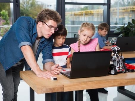 GIGAスクール構想の成功はICT支援員にかかっている
