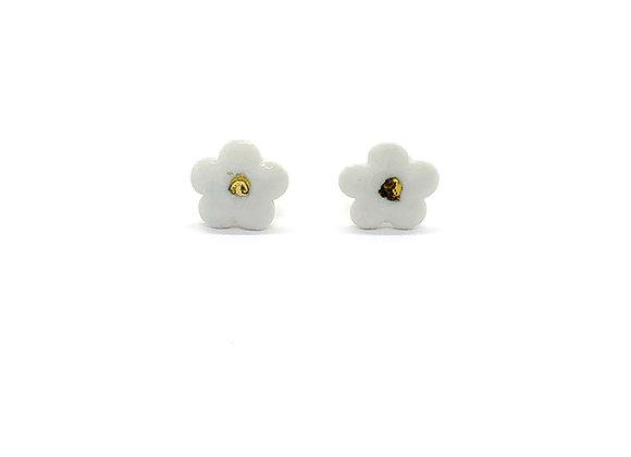 White Flower Earstuds