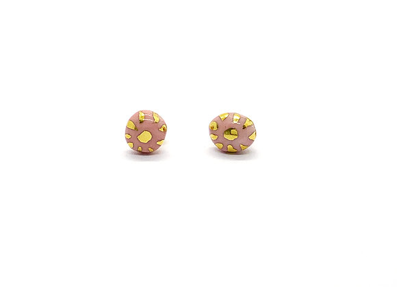 Small Earstuds in pink