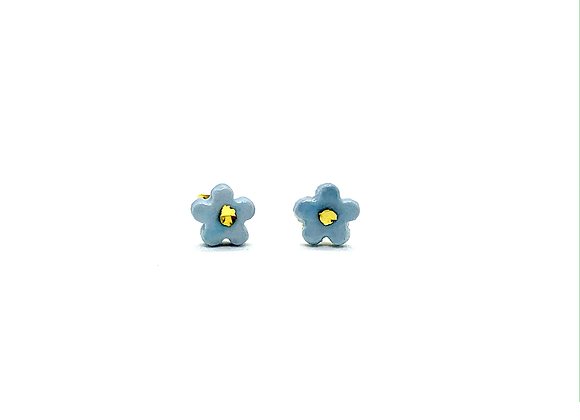 Tiny blossom in heaven blue earstuds