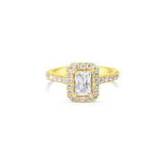 Emerald Cut Dimaond Engagement Ring.