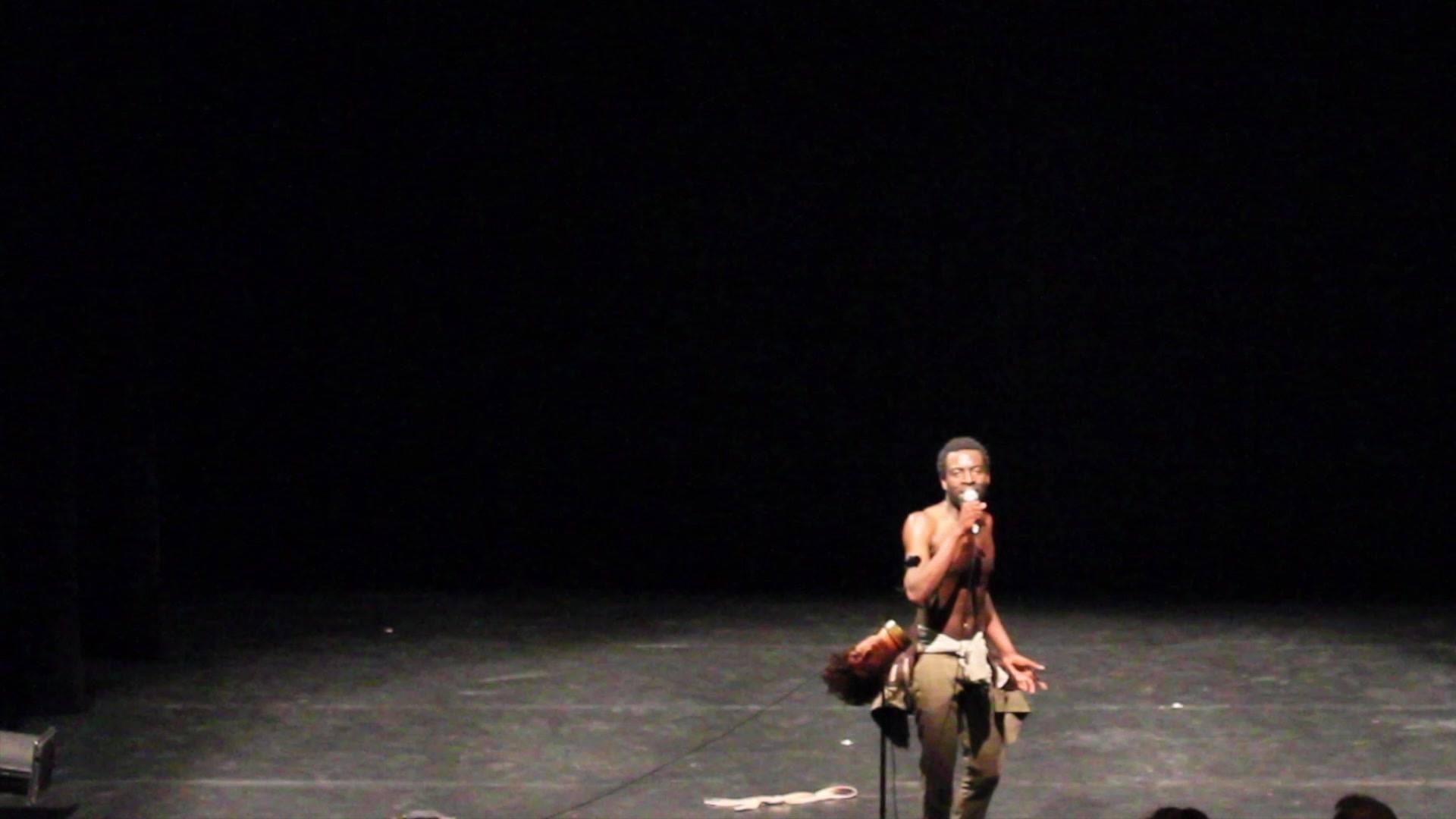 Extrait de ma performance au festival INACT hier soir à Strasbourg.   aujourd'hui Workshop à 14H à l'espace K