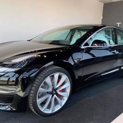 Perché acquistare una Tesla