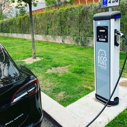 Guida alla Sosta e ZTL per veicoli elettrici in Italia