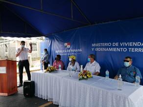 Entrega de Bonos por Ministro Paredes en Paseo del Bosque