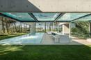 Vidro é destaque em casas pelo mundo