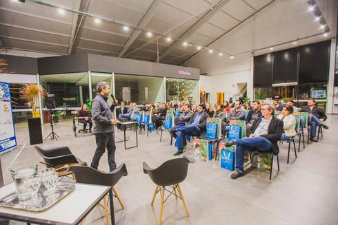 Arquitetos e vidreiros em sintonia em Chapecó