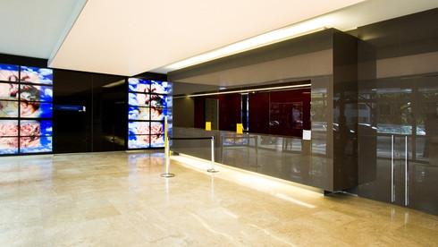 Saiba os benefícios do revestimento de paredes com vidro!