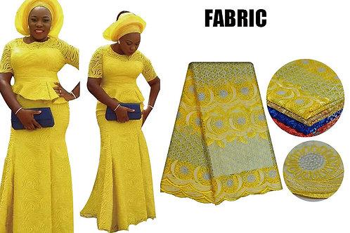 Brodé Africaine Tops et Jupe Ensemble avec Headtie pour les Femmes Bazin Riche