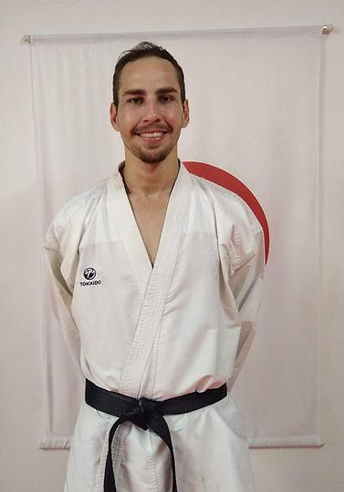 foto professor de karate.jpg