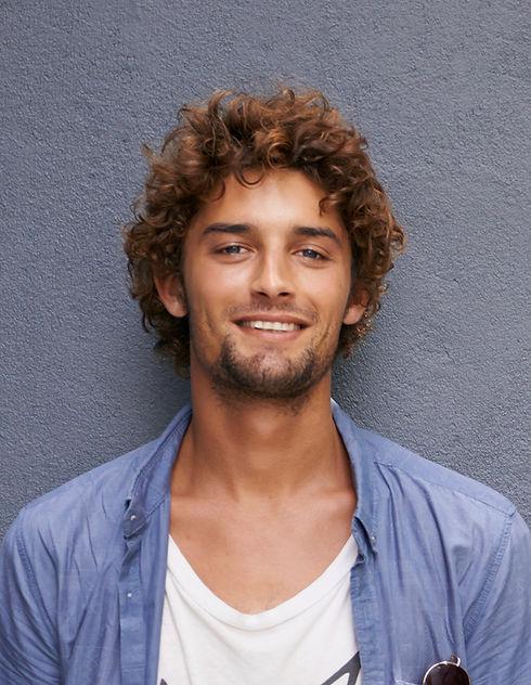 L'homme avec Curls