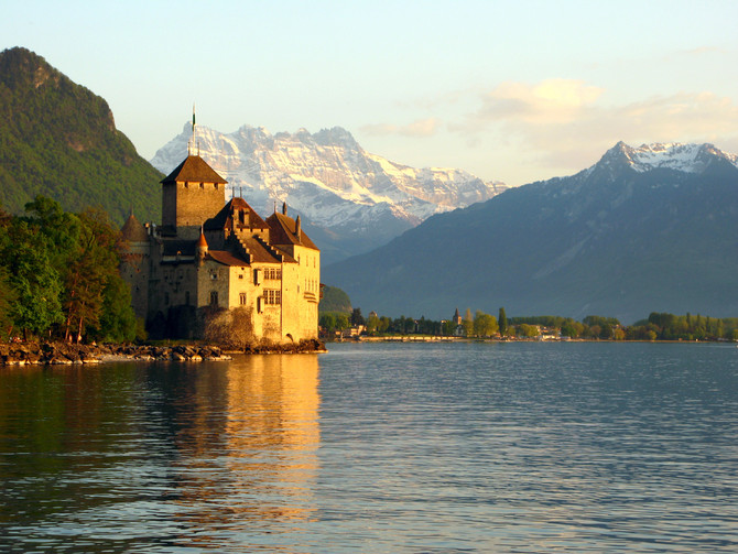 Cheese Fondue: A Swiss National Treasure