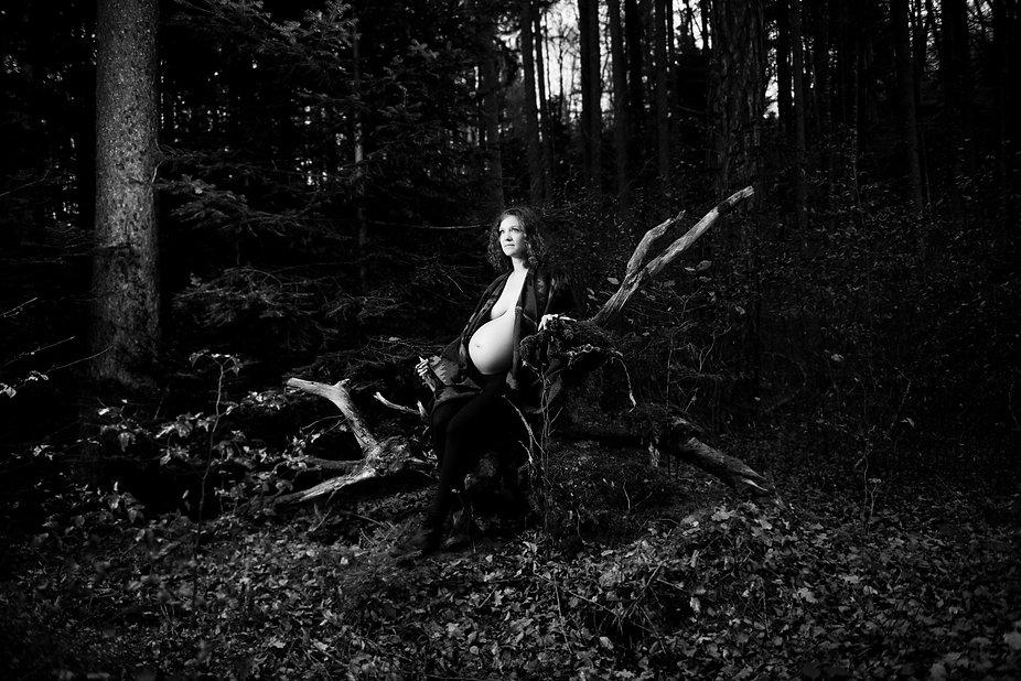 photographie de grossesse, femme enceinte, Fanny Meier, photographe de grossesse, Vevey, Suisse