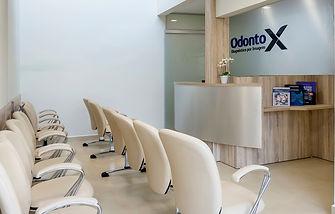 Na Odonto X o paciente pode contar com conforto e rapidez no atendimento. Recepção, Bragança Paulista.