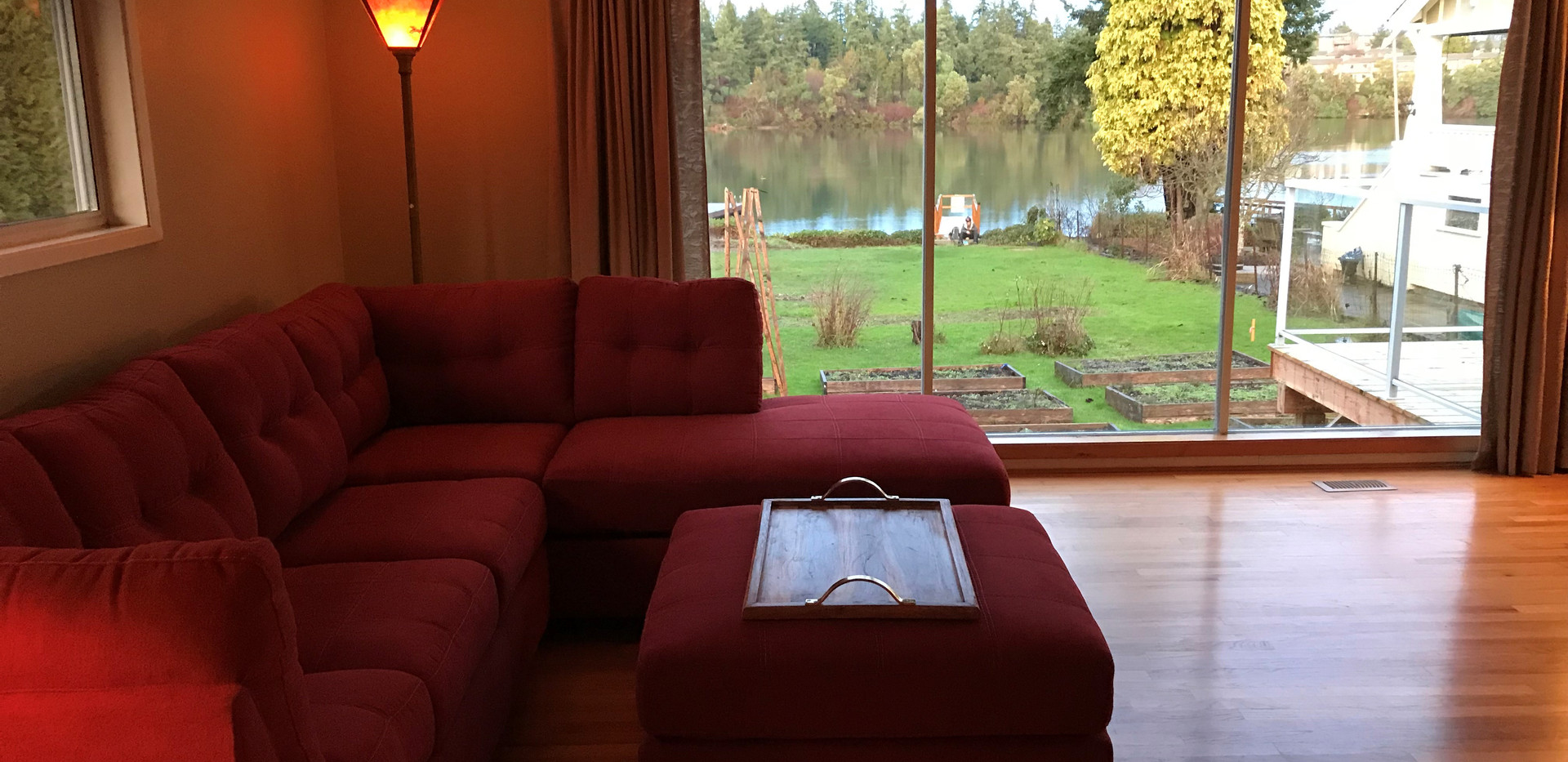 Living room - view of gorge.jpg