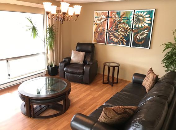 #4 livingroom.JPG