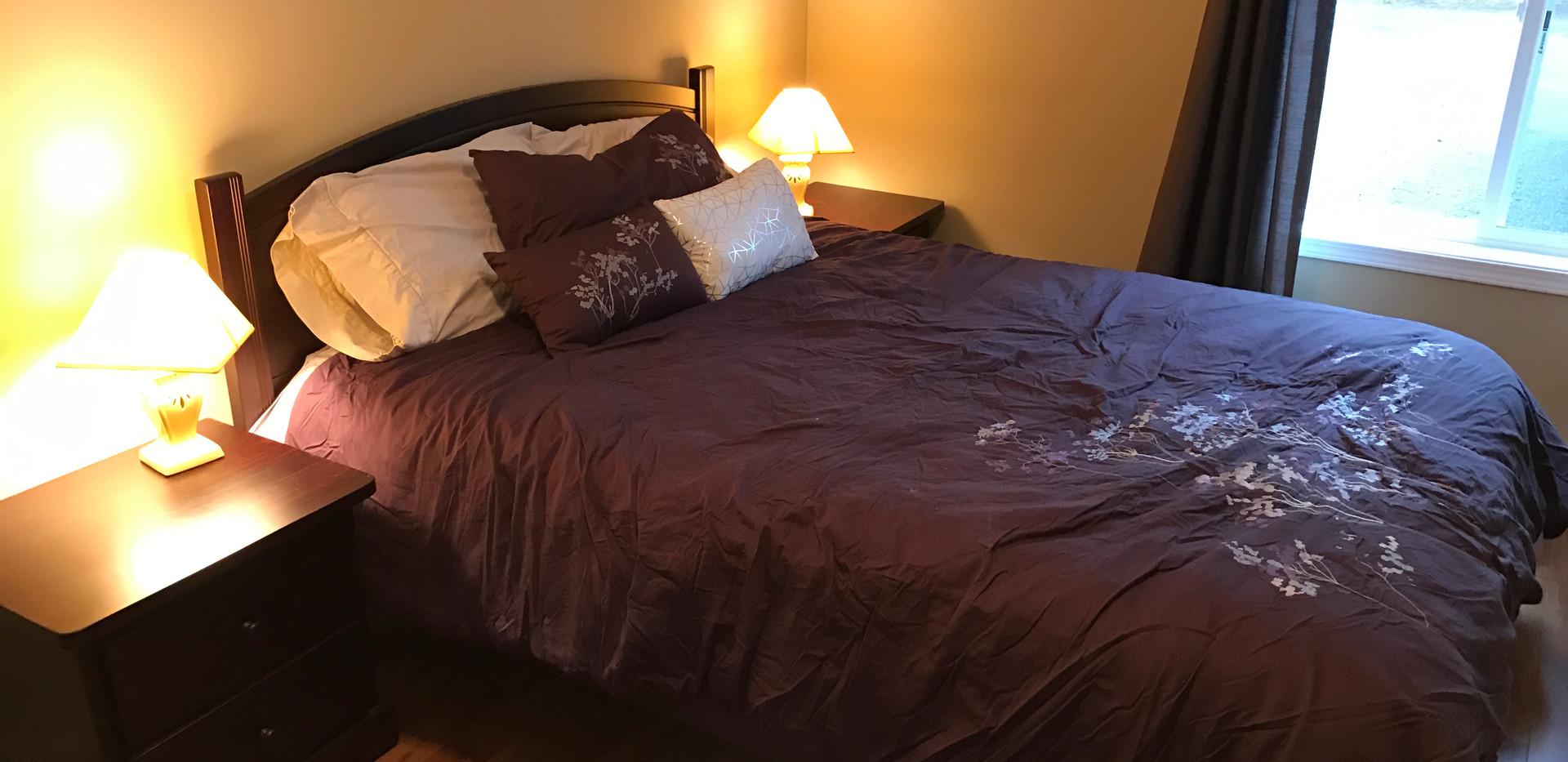 #4 Hyacinth - Bedroom #3 (2).JPG