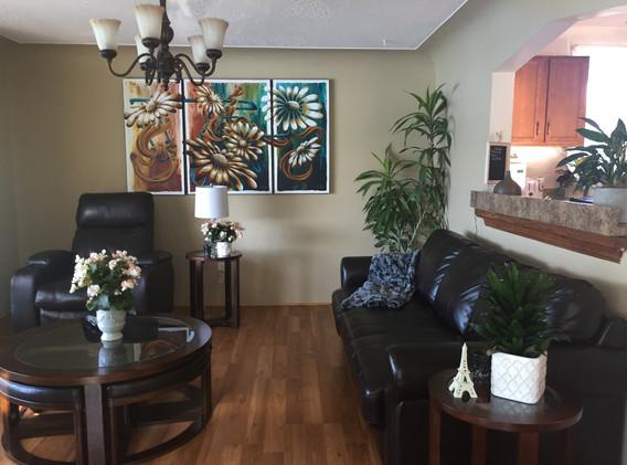 Living room (upstairs).JPG