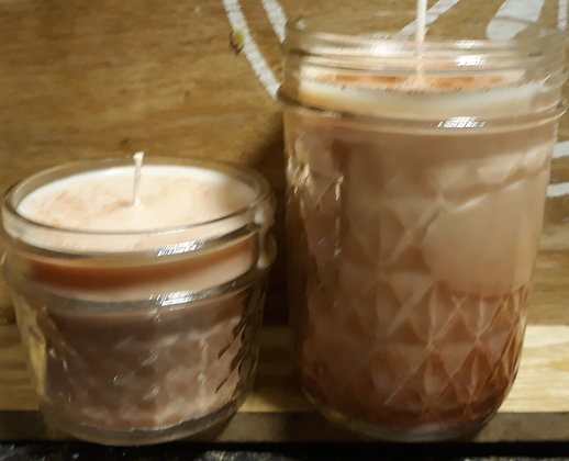 Amaretto 8 oz Candle