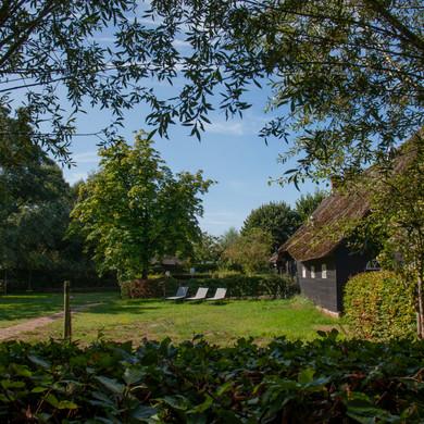 Hof-van-Vijfeijken-tuin-voorkant
