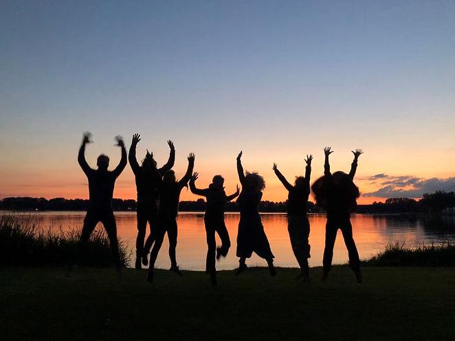 Betsies sunsetsupjoy.jpg