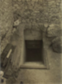 Burton_Tutankhamun_tomb_photographs_1_05