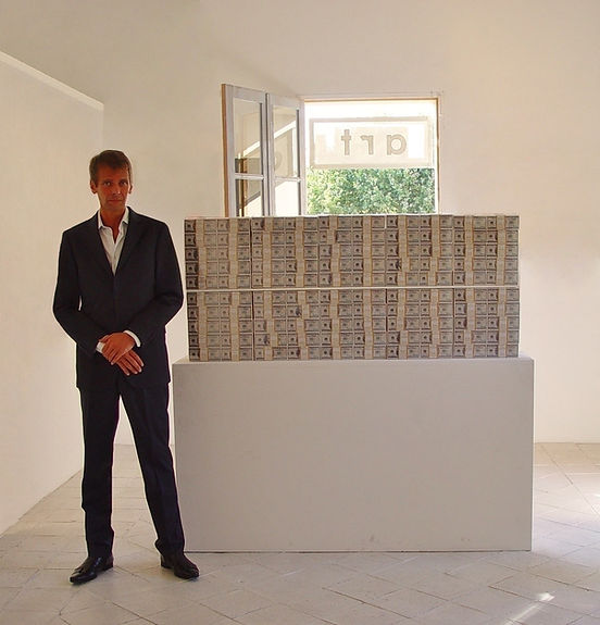 Klaus Guingand artwork in God we trust / $ 20 million cash