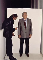 Anthony Quinn pose for Klaus Guingand in 1995