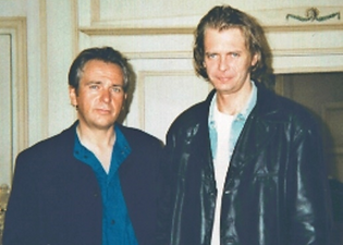 Peter Gabriel and Klaus Guingand in 1995