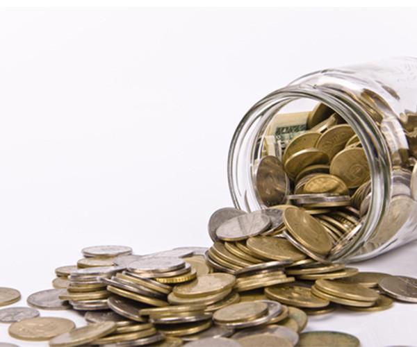 Πτώση στα εισοδήματα νοικοκυριών