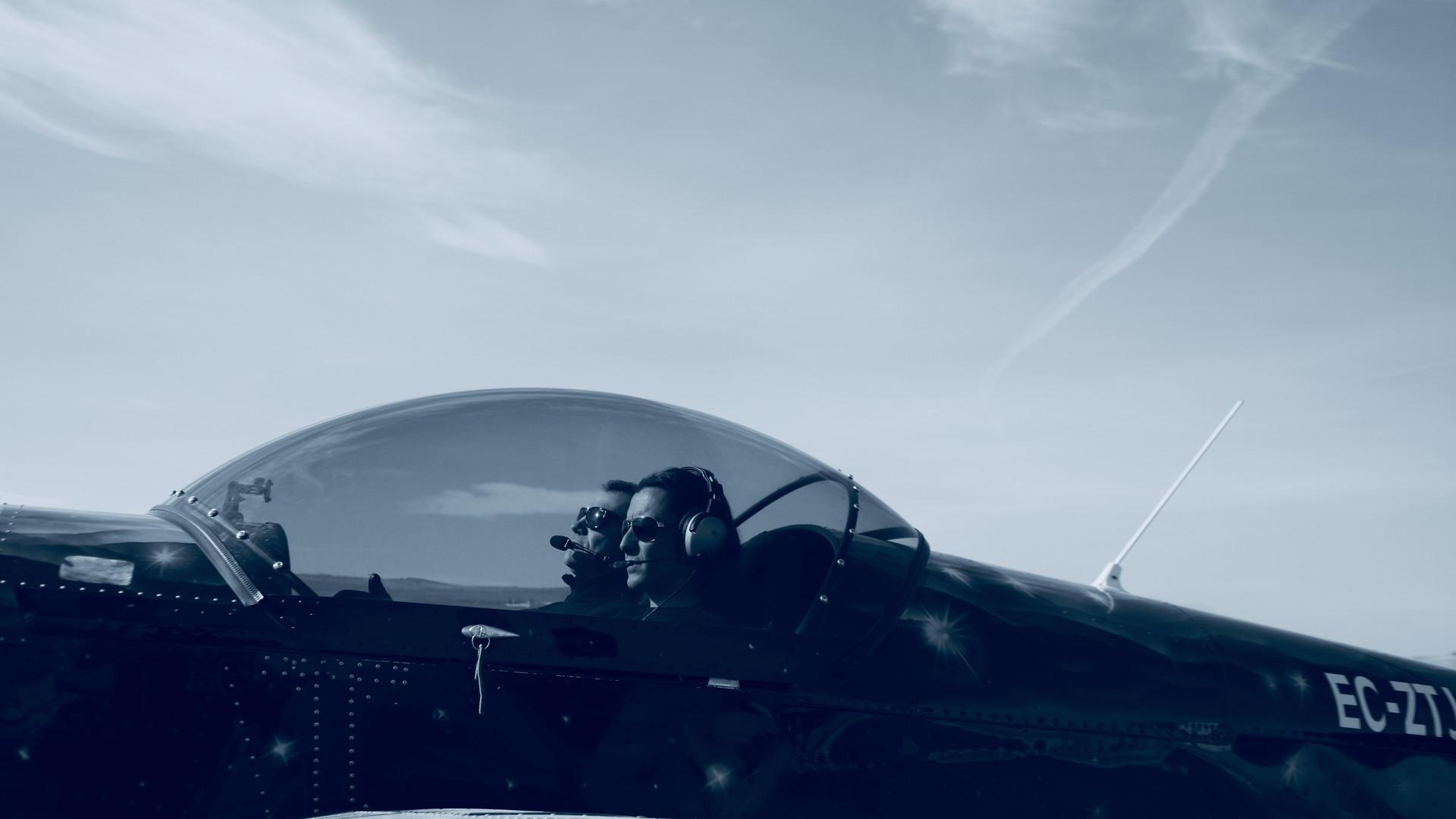 Los Pilotos 14.jpg
