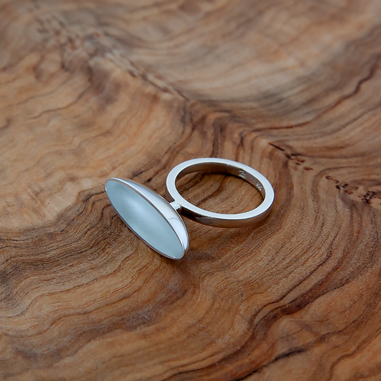 'Aalto' ring with clear white resin