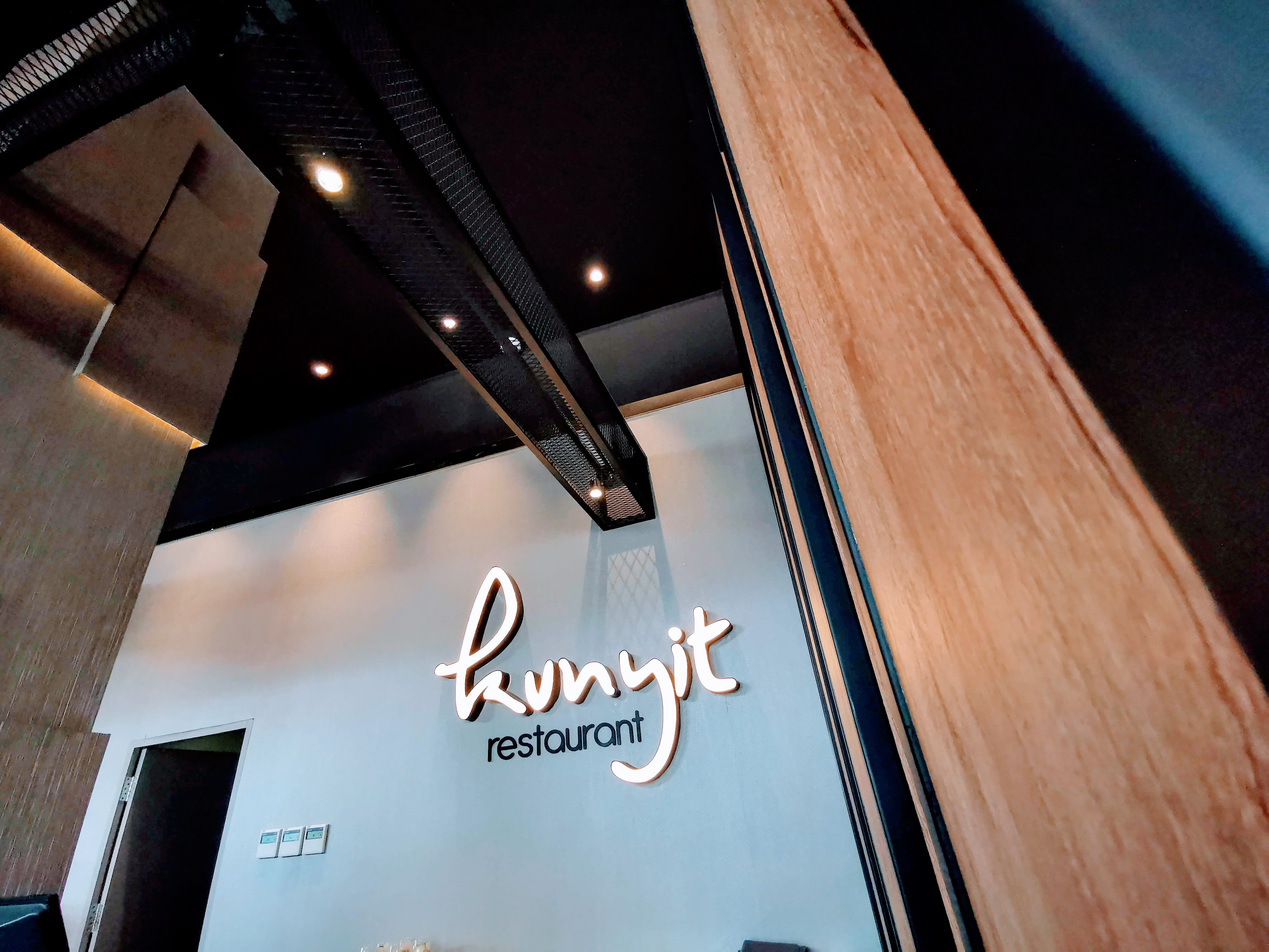 Kunyit Restaurant 01