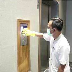 Clean Push Button Guest lift