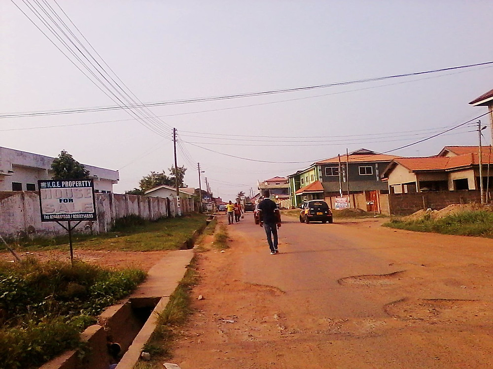 Typical Accra street near the apartment