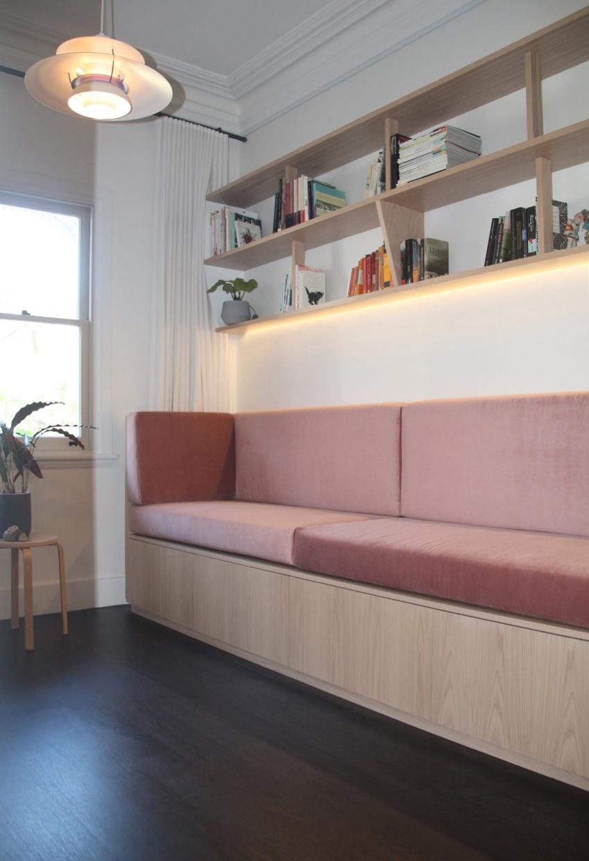 Martina sofa 1b light shelves